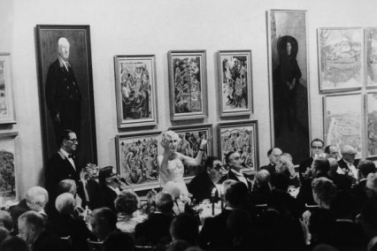 Lady Violet Bonham Carter, Baroness Asquith (1887 - 1969) addresses members of the Royal Academy of Arts, during their annual dinner in London, 27th April 1967. This is the first time that women have been allowed to attend the occasion.