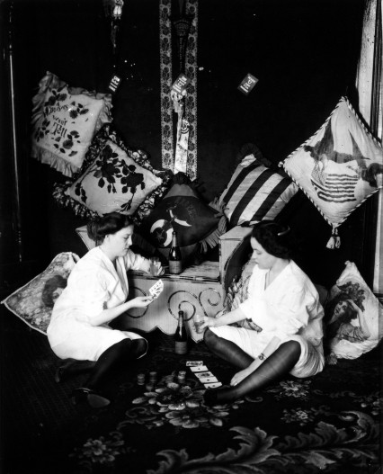 Girls Playing Cards, Bellocq