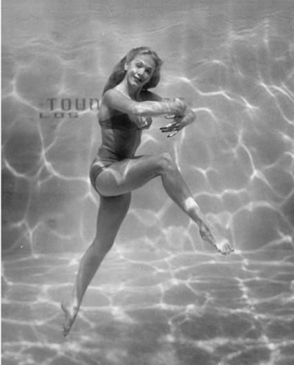 belita-under-water