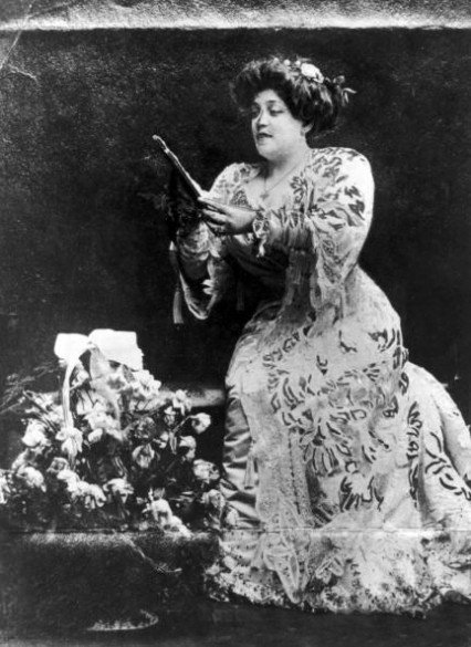 Belle Elmore in 1900, ten years before she was murdered by her husband.
