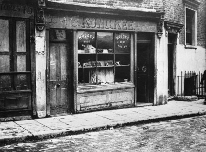 Shop in Pennyfields in 1924