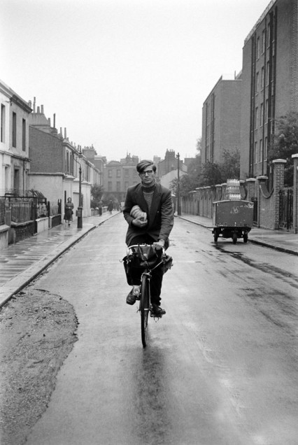 colin-wilson-with-bananas-on-bike-2