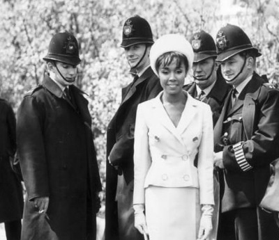 diahann-carroll-at-trafalgar-square