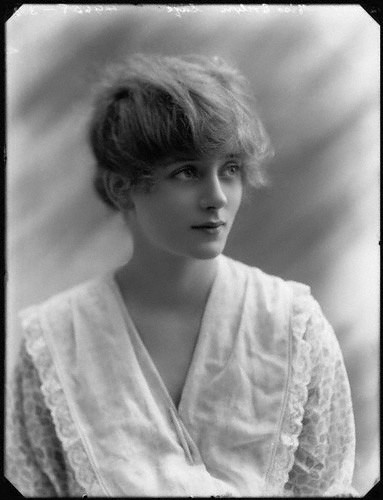 Already a West End star, the 17 year old Evelyn Laye 1917