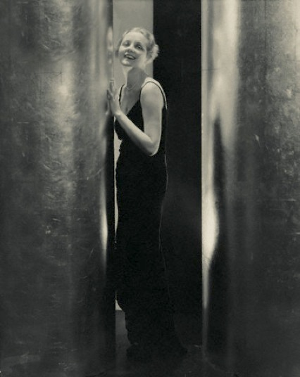 Evelyn appearing in Ziegfeld's production of Bitter Sweet in 1930