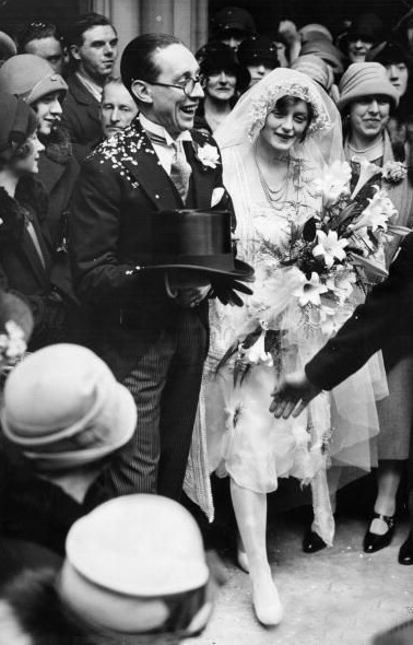 Evelyn Laye and Sonny Hale at their wedding in 1926