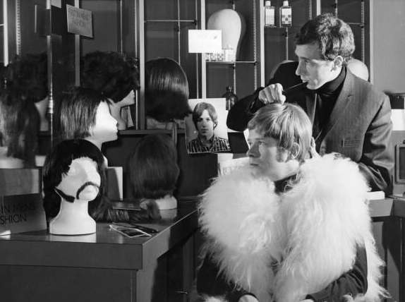 Baldry at the hairdresser John Stephen in Carnaby Street 1968