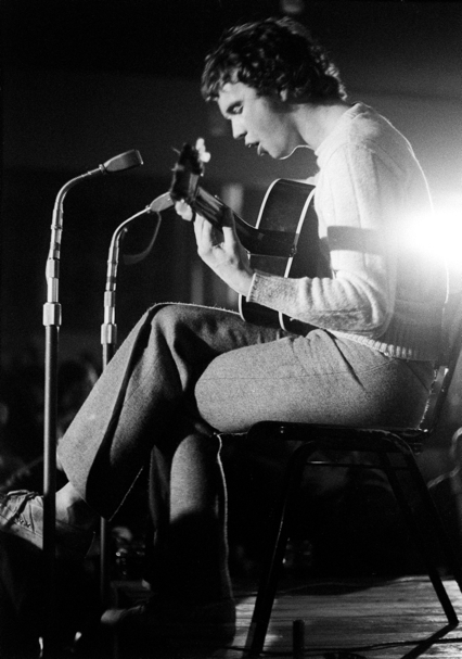 John Martyn playing at Les Cousins in 1968