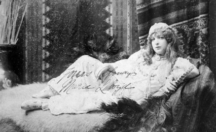 A twenty year old Marie Lloyd in 1890