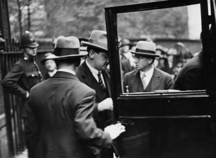 Collins outside Downing Street 1921