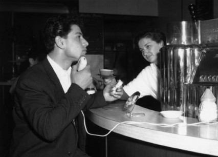The Moka coffee bar in 1953, seemingly offering a free electric shave