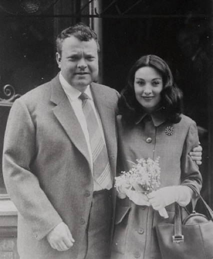 Orson Welles marrying his third wife Paula Mori in 1955