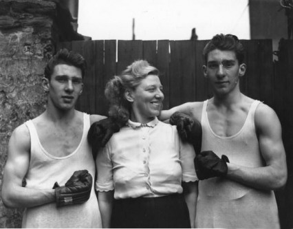 The 'well known sporting brothers' and their mother Violet