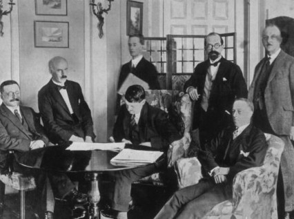 Signing the Anglo-Irish treaty in 1922