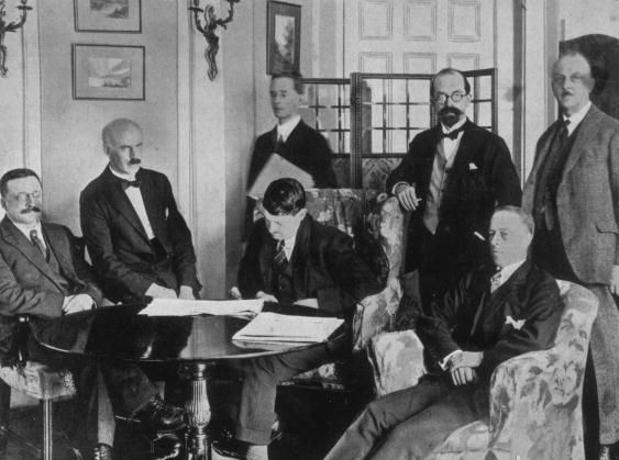 essay on anglo irish treaty To what extent was the anglo-irish treaty, 1921, responsible for the irish civil war 2 what steps did irish governments take to consolidate democracy , 1923-1945.