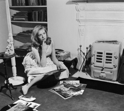Susannah York at her Kings Road flat in 1960